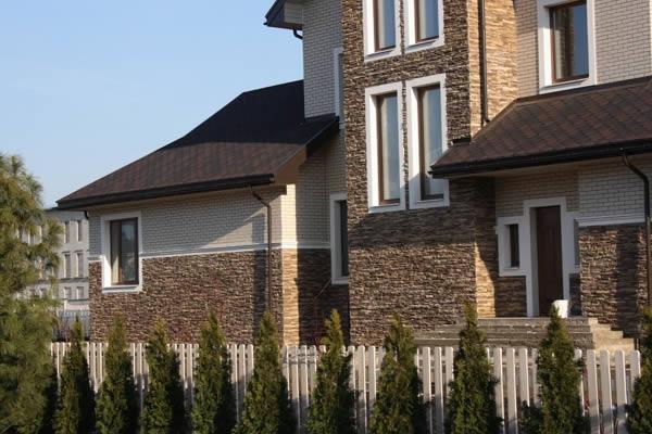 Облицовка фасада декоративным камнем