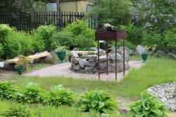 Барбекю в саду