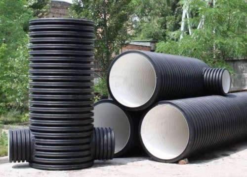 Пластмасса является материалом органического происхождения, что крайне нежелательно ввиду образования азотистых соединений.