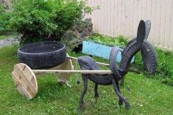 Ослик из старых шин