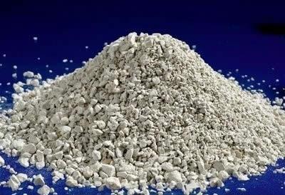 В качестве донного фильтра применяется материал вулканического происхождения - цеолит.