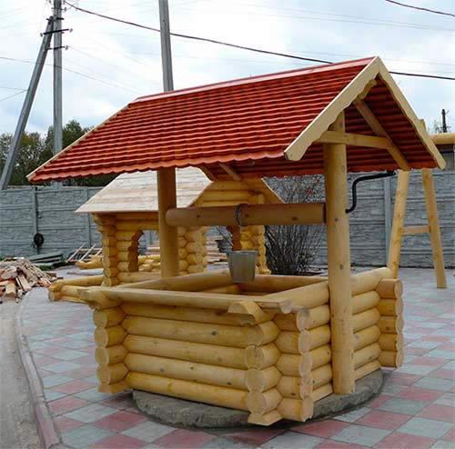 Для чистоты воды в колодце, первое что нужно соорудить небольшое укрытие.