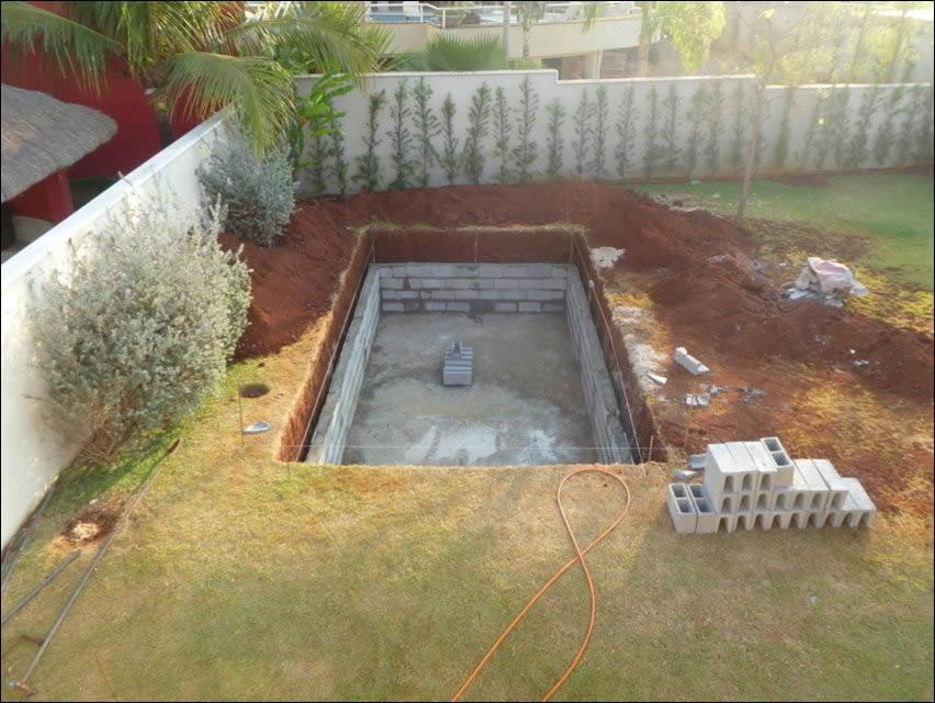 Бассейн во дворе частного дома своими руками