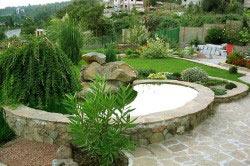 Ландшафтный дизайн сада со скошенным рельефом