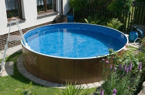 Каркасный бассейн во дворе