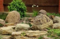 Каменистый интерьер
