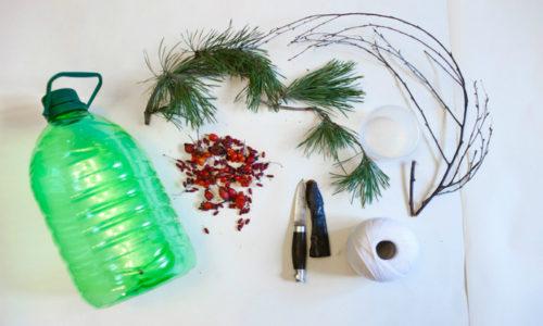 Пластик — неподходящий материал для кормушки